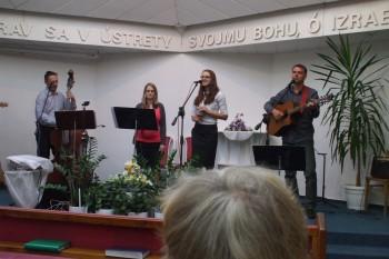 Slávme Boha piesňami...